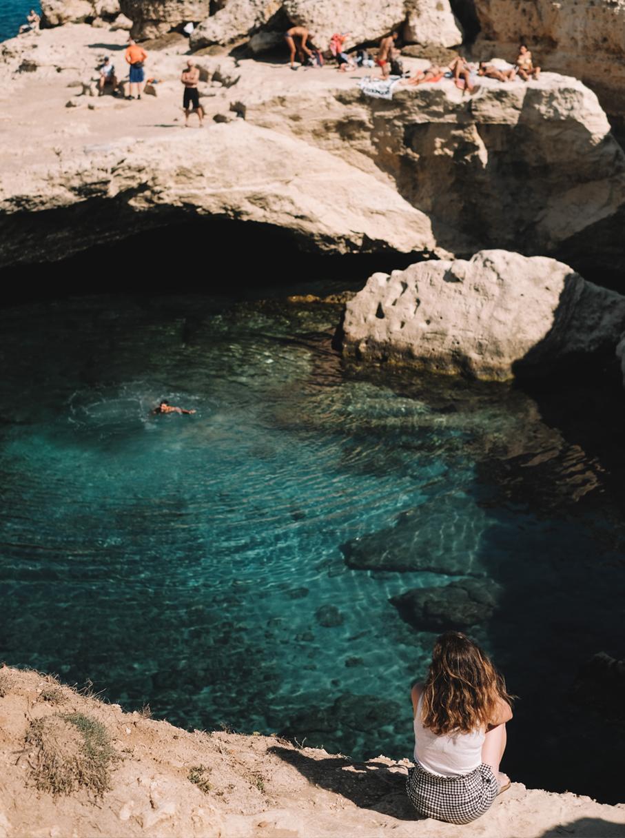 GrottaPoesia-Pouilles-lechienataches1b